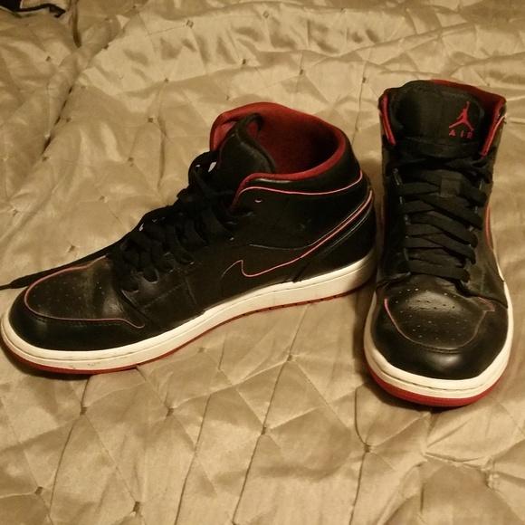 huge discount 9649d fcecb Jordan Shoes - Nike Air Jordan 1 Mid Black   White   Red